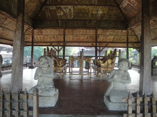 Kertha Gosa - Taman Gili Museum Bali Klungkung Semara Pura Bali Holidays, Tours, Attractions