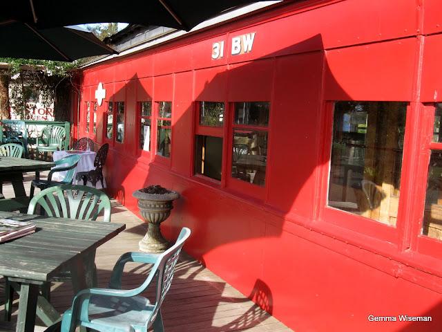 Red Rattler Cafe