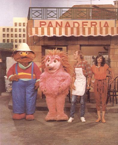 Barrio Sésamo, con Espinete, Don Pimpón, Chema el panadero y Ana