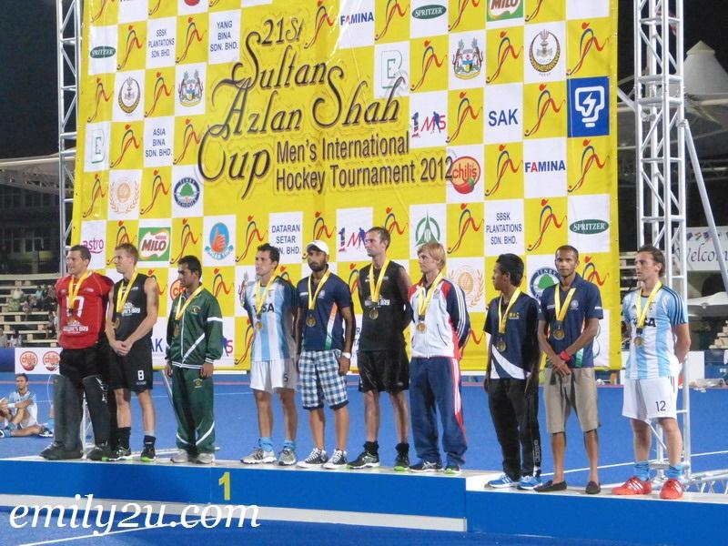 Sultan Azlan Shah Cup prize presentation