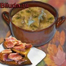 Луковый суп с тунцом
