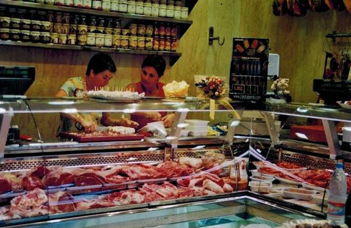 El Racó del Berguedà: La botiga es va inaugurar el dia 1 de juny de 2006