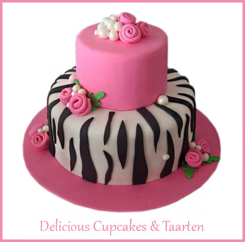 Stapeltaart zebra en rozen.jpg
