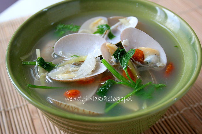 Table For 2 Or More Clams In Broth 上汤蝲蝲