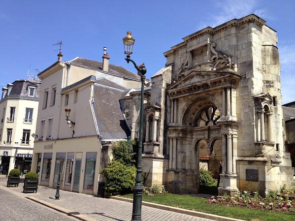 Portail Saint-Martin - достопримечательности Эперне