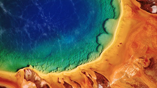 Grand Prismatic Spring, Midway Geyser Basin, Yellowstone National Park, Wyoming.jpg
