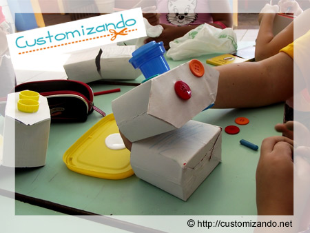Brinquedo feito com caixa de leite