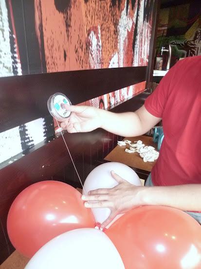 como-hacer-arco-decoracion-globos-09