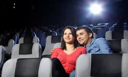 Lleva al cine a una chica en una primera cita