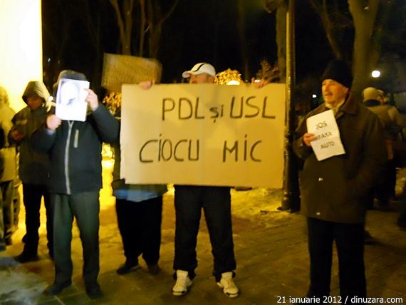 """[VIDEO] Protest la Suceava - sâmbătă, 21 ianuarie. """"De Mugur Isărescu de ce nu întreabă nimeni?"""""""