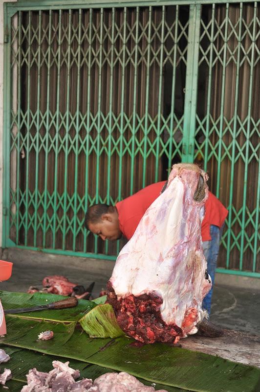 Kepala lembu yang telah disembelih secara agama