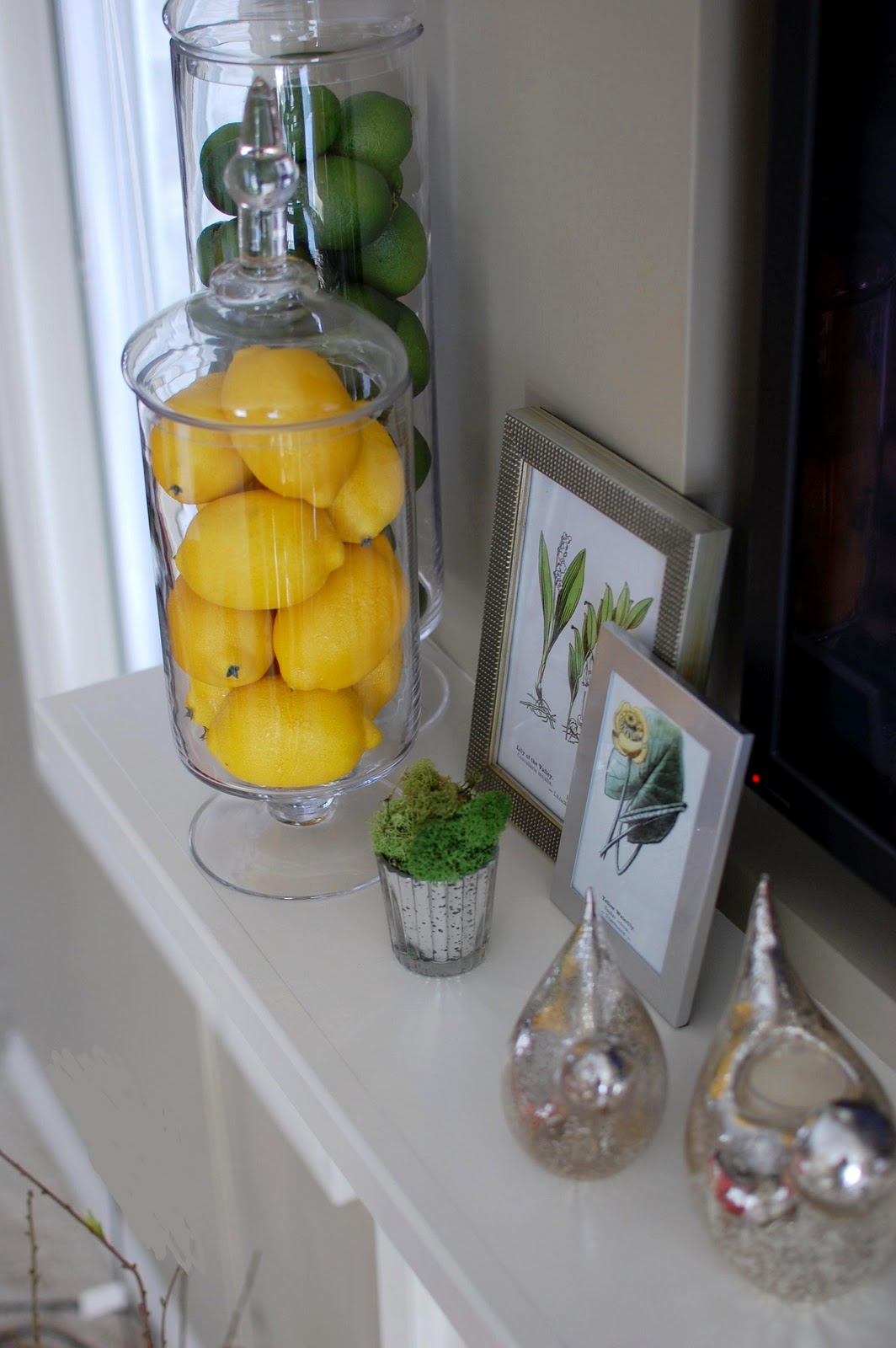 remodelaholic beautiful spring inspired mantle by 33 shades of green