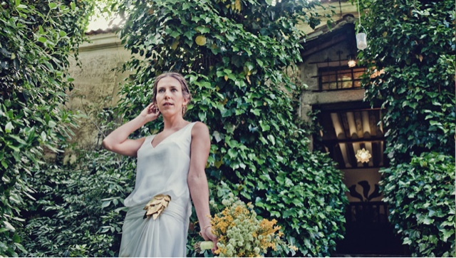 Broche de hojas doradas para vestido de novia
