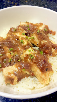 Escoffier sauce with tofu, on white rice. Vegetarian, easy recipe