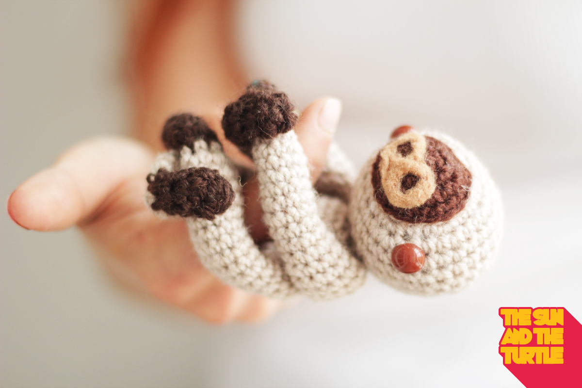 Amigurumi Sloth free crochet pattern.