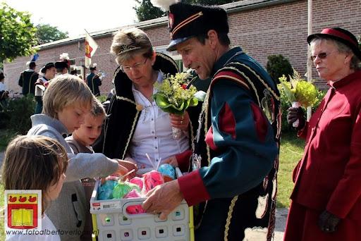 Koningschieten Sint Theobaldusgilde overloon 01-07-2012 (164).JPG