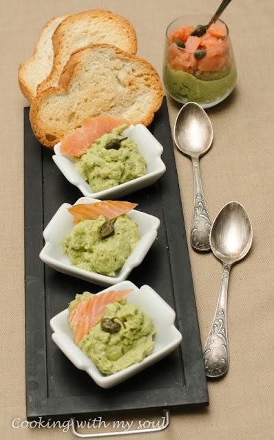 Mousse de avocado cu somon afumat