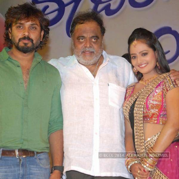 Avinash, Ambareesh and Sri Shruthi at the silver disc release of the film E Dil Helide Nee Bekanta, in Hyderabad. <br />