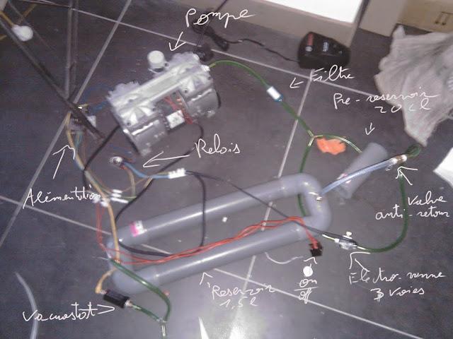 Ma pompe a vide automatisé et un massicot a placage IMAGu0644