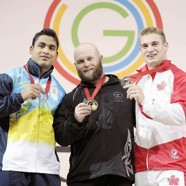 In clean and jerk, Thakur went for 179kg in his first attempt, but could not lift it. But he was successful in his second attempt to jump to the top spot. Canada's Pascal Plamondon then lifted 182kg to take the top spot.