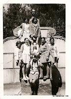 Candelario Salamanca amigas en la fuente del Parque