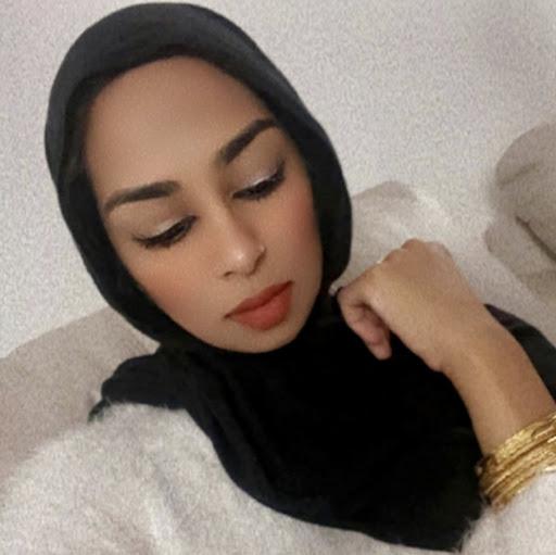 Aisha Syed Photo 22