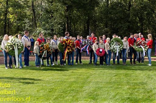 herdenkingsdienst  en een stille tocht naar het Engelse kerkhof 12-10-2014 (60).jpg