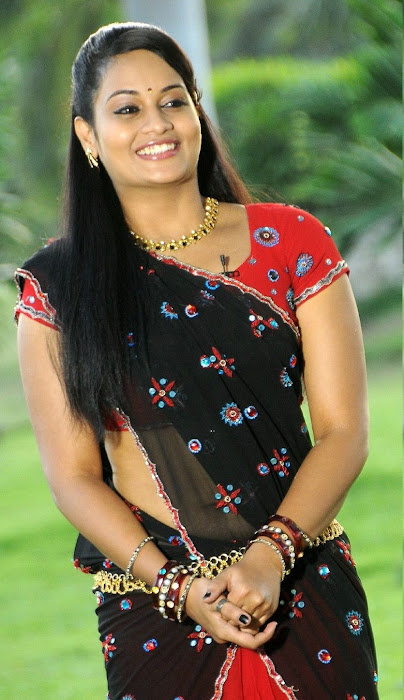 suja very in half saree glamour  images