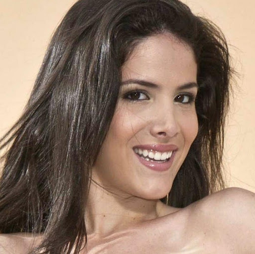 Stephanie Pontes