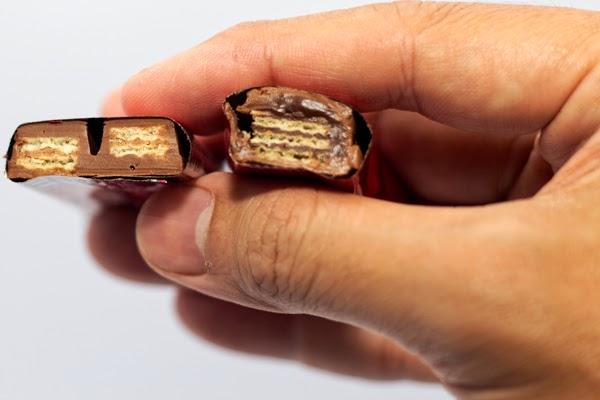perbandingan cokelat kitkat