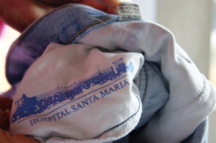 Calças com bolsos do Hospital de Santa Maria