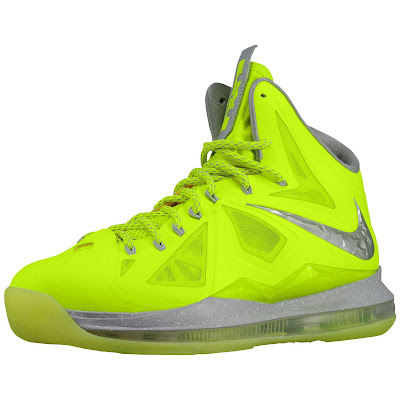 nike lebron 10 ss atomic volt dunkman 1 01 Nike, This is How We Want Our Volts! With Diamond Cut Swoosh.