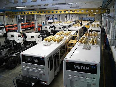 Autobusy CNG marki Kamaz na linii produkcyjnej