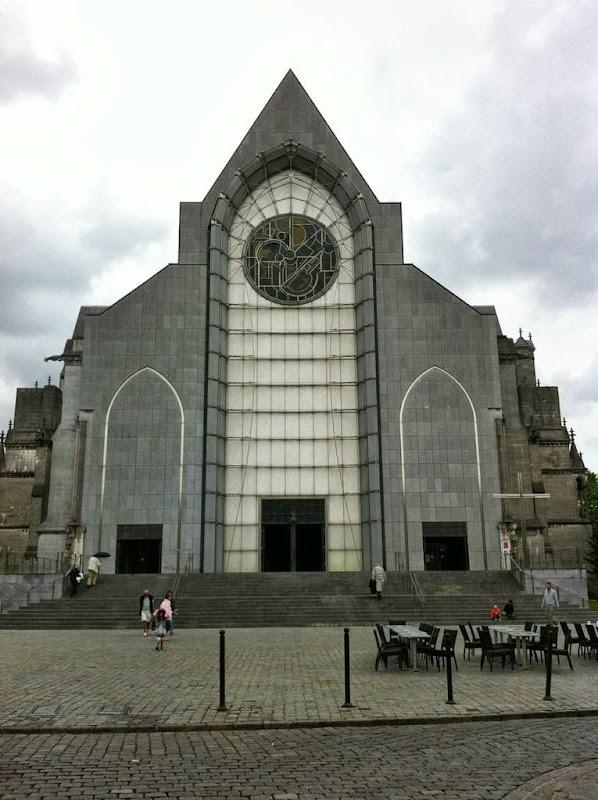 La Catedral de Notre Dame de Treille moderna