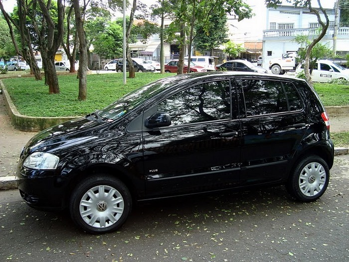 lateral direita, fox 2006 1.6 flex preto