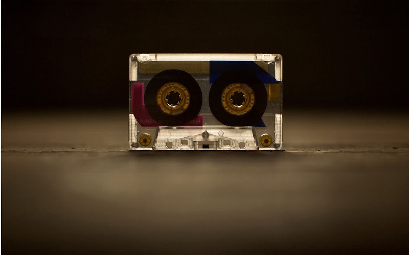 Cassette-wallpaper-screenshot in Stylish Music Wallpapers for Your Taste