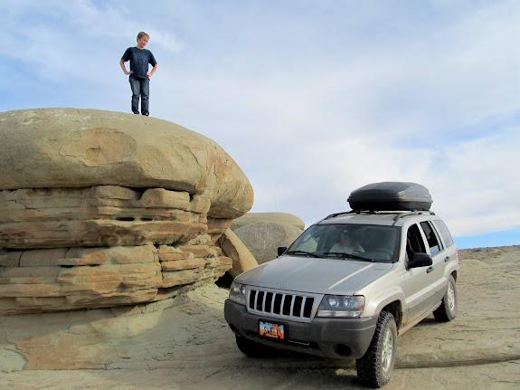 Jeep parked at Hamburger Rocks