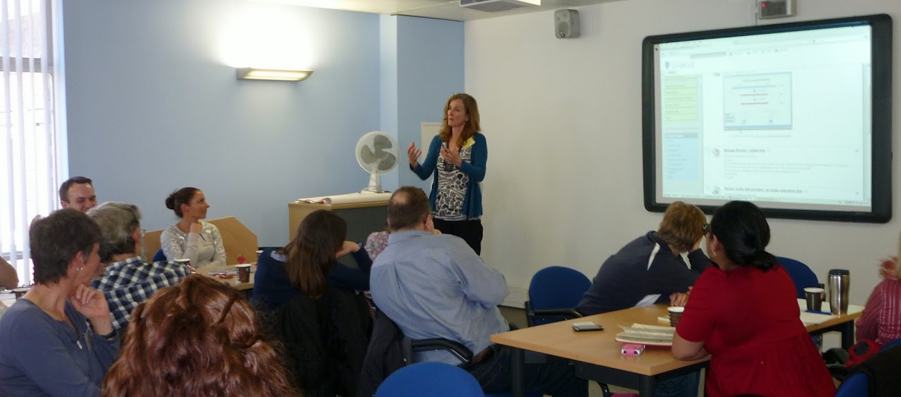 Dr Lu Mello, School of Life Sciences, University of Liverpool sharing her experiences about podcasts and online tests