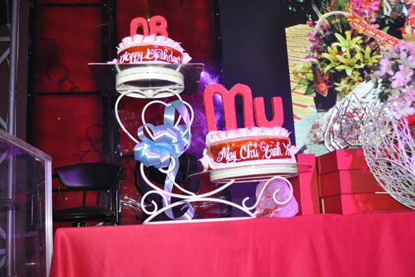 Game thủ cắt bánh mừng MU Việt Nam tròn 8 tuổi 2