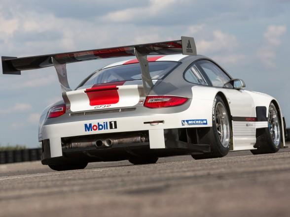 2013 Porsche 911 GT3 R - Rear Side