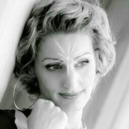 Nora Korom