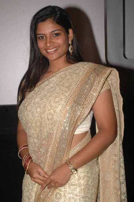 vj maheshwari in saree hot images