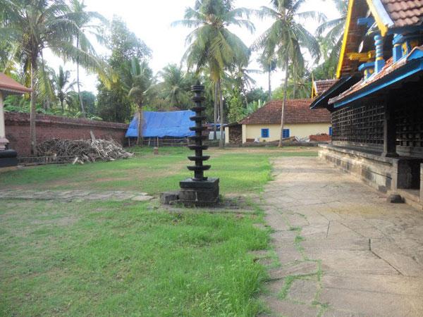 Sri Naavaai Mukundan Perumal Temple (ThiruNavai) Kerala - Divya Desam 89