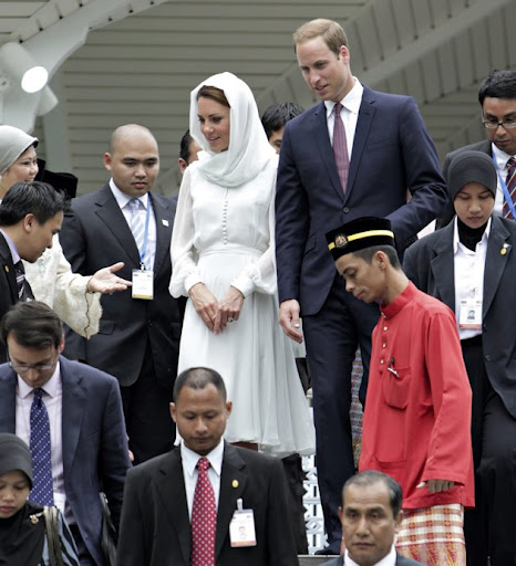 Prince William dan Kate Middleton di Masjid Putrajaya