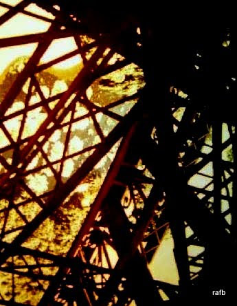 x1690760-Eiffel_Tower-Paris.jpg