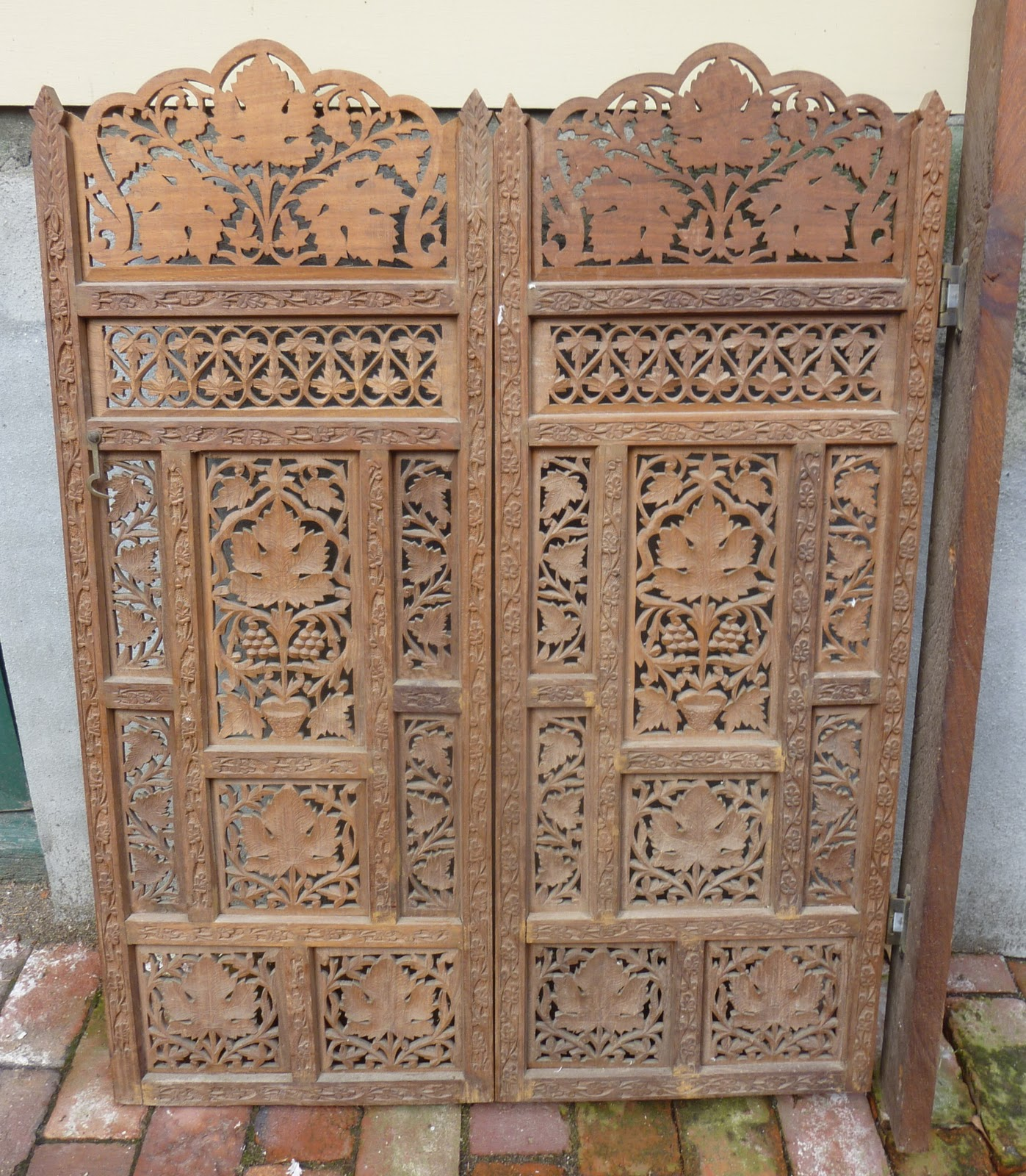 Carved Wood Screens ~ Wunderful things carved wood indian screen