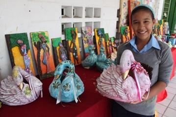 Alcalde freddy rodriguez alumnas del colegio casa taller - Trabajos manuales para realizar en casa ...