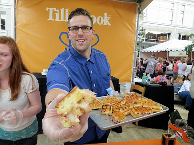 Trying a the Sandwich Invitational the 3 Tillamook cheese sandwiches!