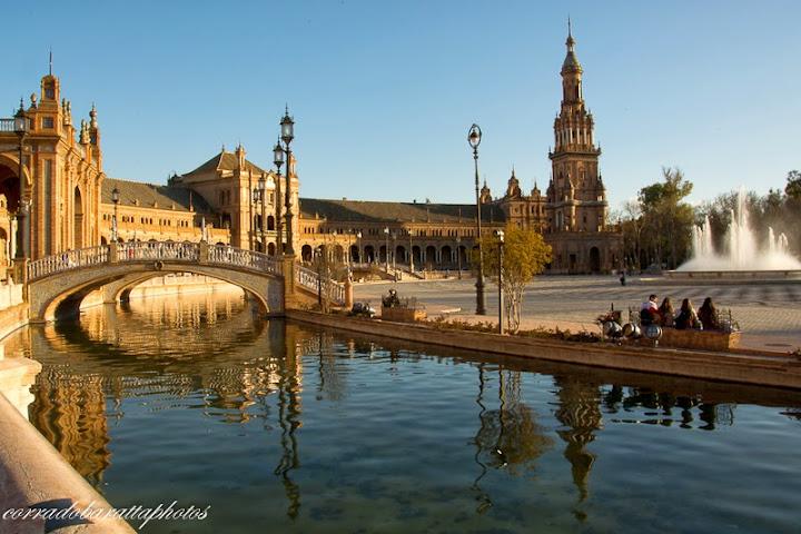 foto di Sevilla(http://it.fotolia.com/p/204530052/partner/204530052)
