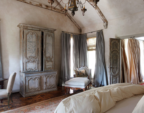 Roses and rust beautiful bedrooms for Beautiful bed room